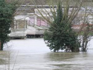 Caravan Flooding Cliften Hamden