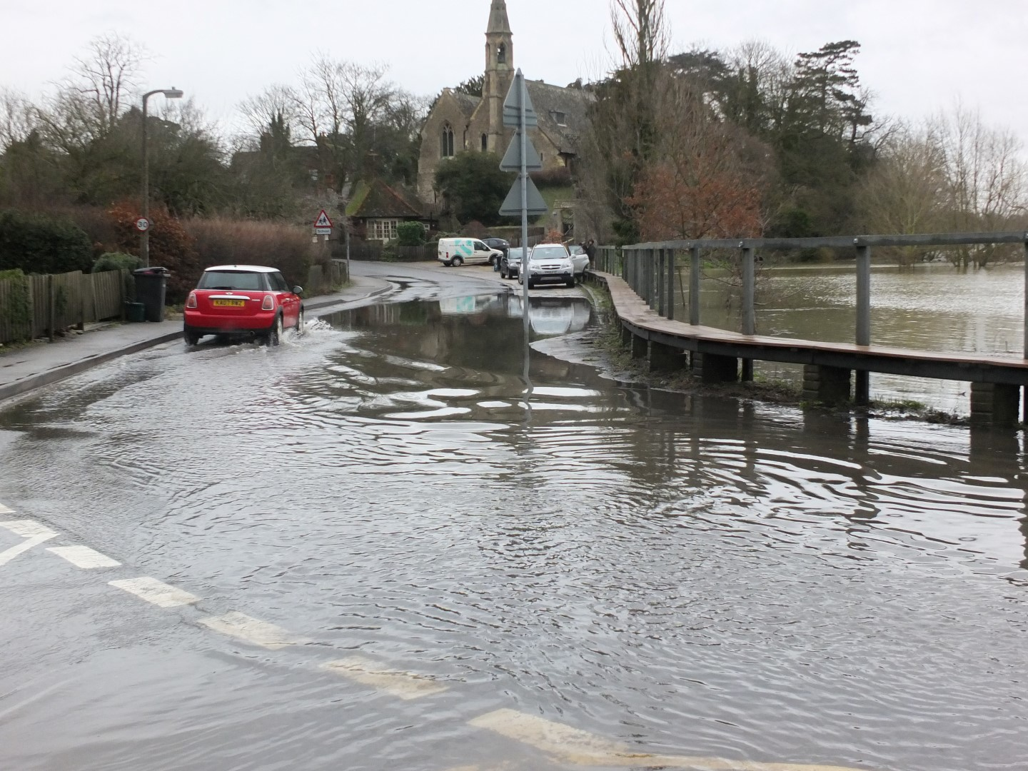 Flood risk check – Can I check my flood risk for FREE?